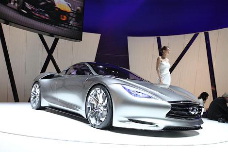 """В Женеве показали 402-сильное среднемоторное купе, разгоняющееся до """"сотни"""" за 4 секунды. Фото 1"""