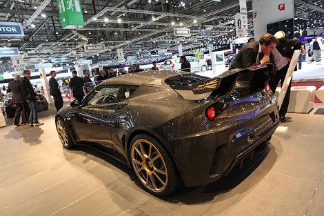 Британский производитель показал специальную версию 444-сильного купе Evora GTE. Фото 1