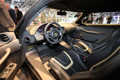 Британский производитель показал специальную версию 444-сильного купе Evora GTE. Фото 2