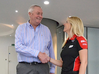 Дочь экс-пилота Формулы-1 стала тестером команды Marussia