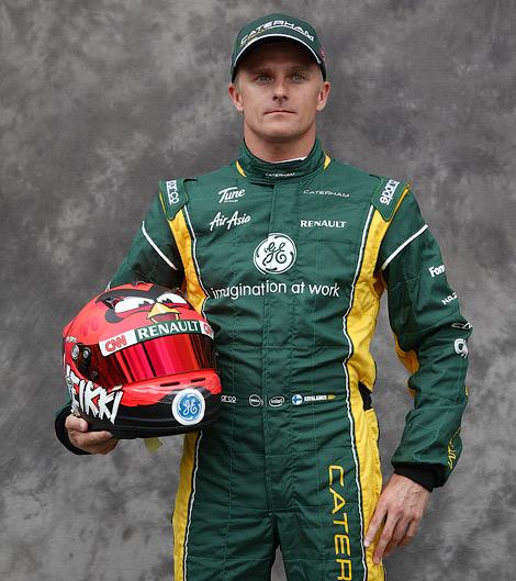 Пилот команды Caterham стал партнером игровой компании Rovio. Фото 4