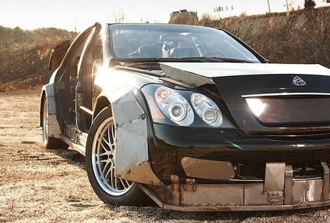 Машина, снимавшаяся в клипе Канье Уэста и Jay-Z, была продана на аукционе