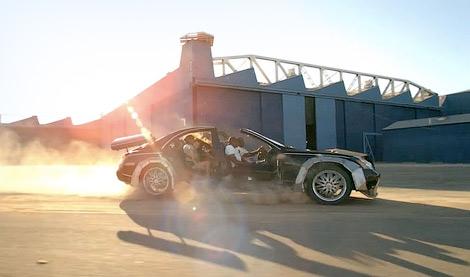 Машина, снимавшаяся в клипе Канье Уэста и Jay-Z, была продана на аукционе. Фото 1
