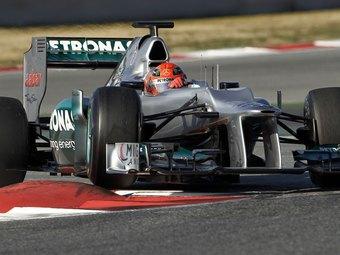 Шумахер возглавил тренировку Формулы-1 на подсыхающей трассе в Мельбурне