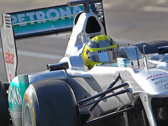 В FIA объяснили причину легализации воздуховода Mercedes AMG