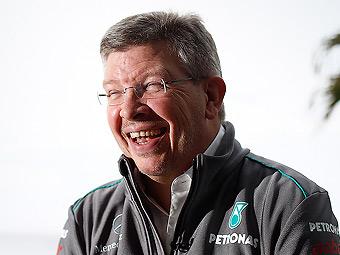 Глава Mercedes AMG усомнился в легальности диффузоров команд-соперниц