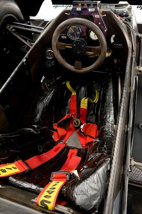 На аукционе продадут автомобиль Формулы-1, на котором пилот выступал в своем дебютном сезоне. Фото 3