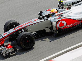 Льюис Хэмилтон выиграл вторую квалификацию Формулы-1 подряд