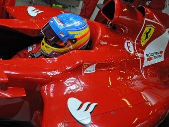 Дождевой Гран-при Малайзии выиграл Фернандо Алонсо