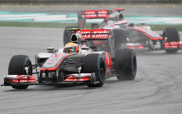 Фернандо Алонсо выиграл дождевой Гран-при Малайзии. Фото 5