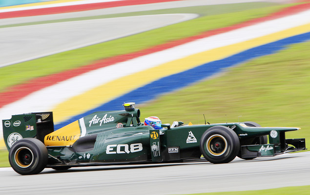 Фернандо Алонсо выиграл дождевой Гран-при Малайзии. Фото 8