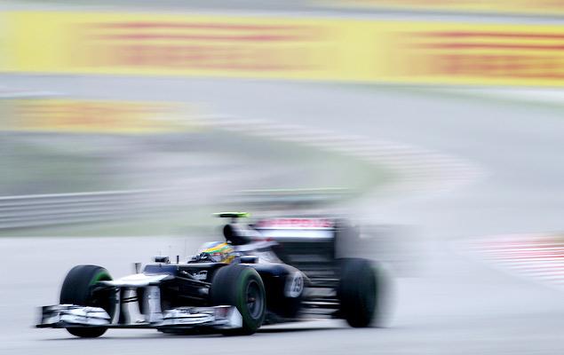 Фернандо Алонсо выиграл дождевой Гран-при Малайзии. Фото 9