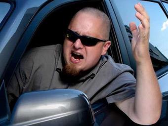 Самыми агрессивными признали водителей компактных автомобилей