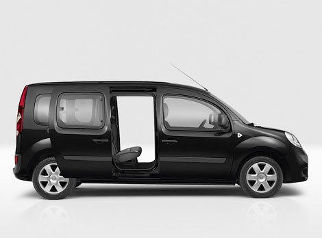 Фургон получил третий ряд сидений и багажник объемом 930 литров. Фото 3