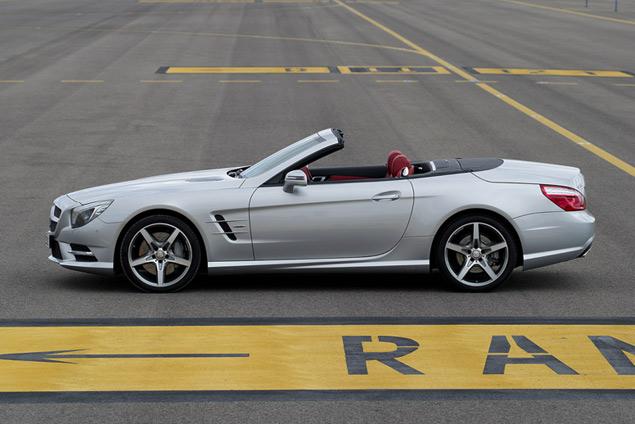 Чему научился Mercedes-Benz SL за шестьдесят лет