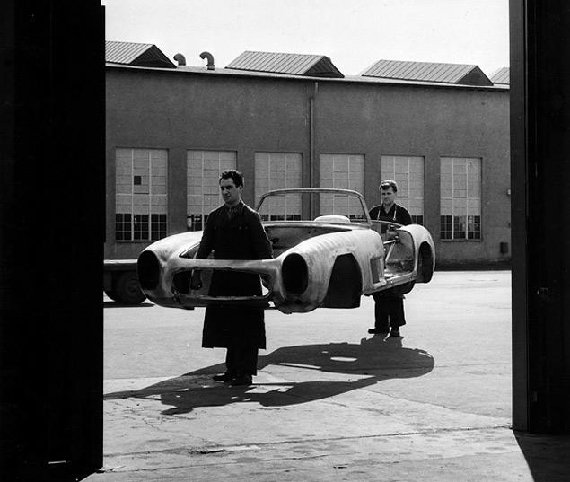 Чему научился Mercedes-Benz SL за шестьдесят лет. Фото 10