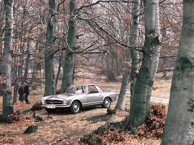 Чему научился Mercedes-Benz SL за шестьдесят лет. Фото 12