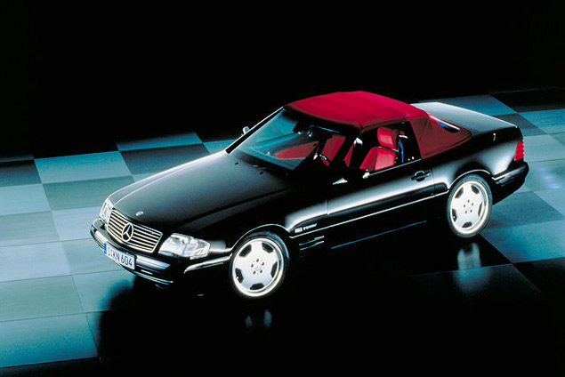 Чему научился Mercedes-Benz SL за шестьдесят лет. Фото 16