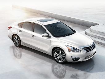 Nissan Altima останется без гибридного варианта до 2014 года