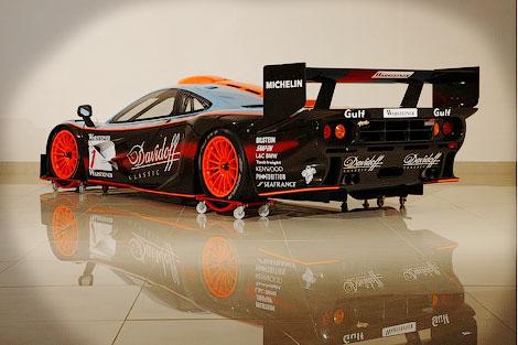 Автомобиль 15 лет назад выступал в гонках на выносливость за команду Gulf Team Davidoff