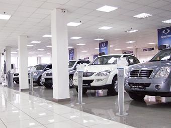 За три месяца россияне купили машин на 17 миллиардов долларов
