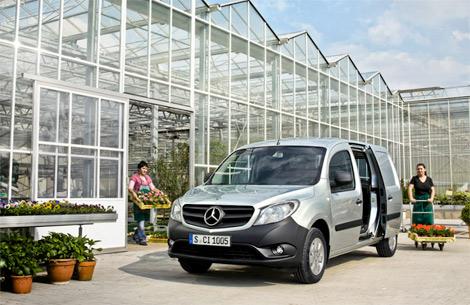 Концерн Daimler разработал вместе с Renault-Nissan компактный фургон. Фото 2