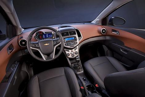 В рейтинг вошли модели Hyundai, Chrysler, Infiniti и Range Rover. Фото 3