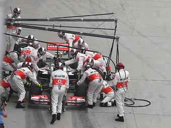 В McLaren проведут расследование неудачных пит-стопов