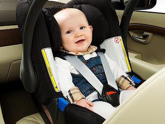 Депутаты предложили лишать прав за не пристегнутых в автомобиле детей