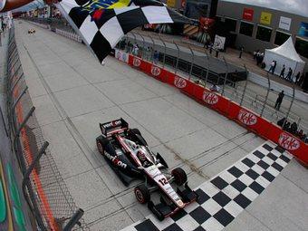 Уилл Пауэр выиграл третью гонку INDYCAR подряд