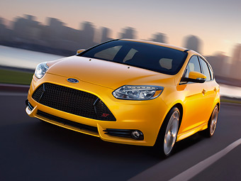 Покупателям нового Ford Focus ST подарят по HD-видеокамере