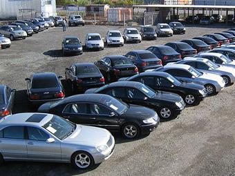 Половина всех автомобилей в России оказались иномарками