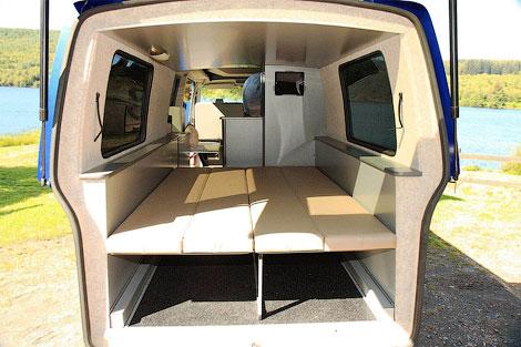 Компания Doubleback сделала фургон для кэмпинга с двойным кузовом. Фото 5