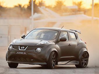 """""""Заряженный"""" Nissan Juke-R выпустят ограниченной серией"""
