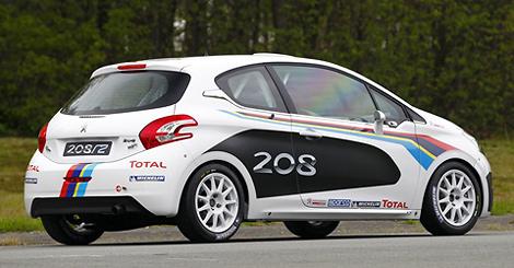 Автомобиль подготовлен для участия в раллийной категории R2. Фото 1