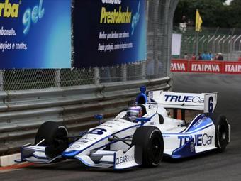 Команда серии INDYCAR подала на Lotus в суд