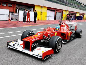 Фернандо Алонсо стал быстрейшим в домашней тренировке Формулы-1
