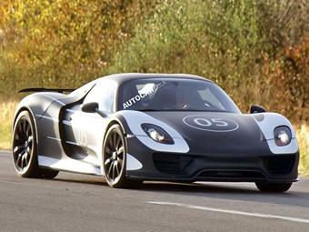 Компания Porsche вывела на дороги гибридный суперкар