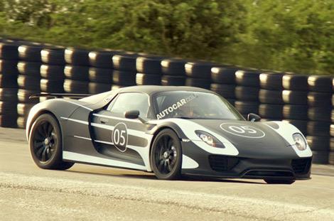 Производитель приступил к тестам предсерийного суперкара 918 Spyder