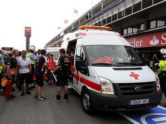 Четыре сотрудника Caterham пострадали при пожаре на Гран-при Испании