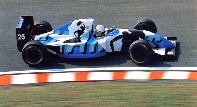 Какой была самая необычная раскраска гоночных машин. Фото 8
