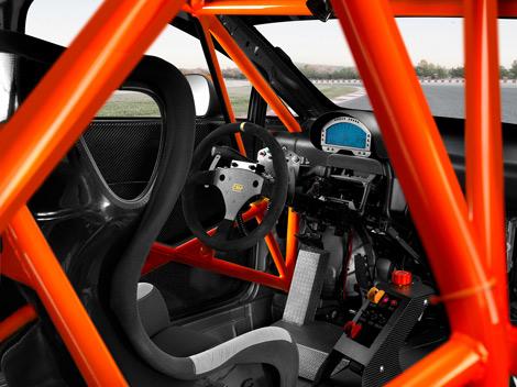 Автомобили имеют спортивную подвеску, салоны с каркасом безопасности и DSG. Фото 4