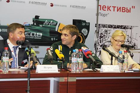 Государственный вертолетостроительный холдинг разместит свои логотипы на болидах команды Формулы-1 Caterham