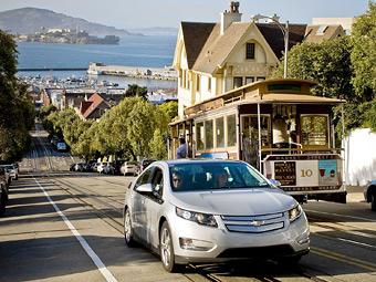 Владельцы Chevrolet Volt сэкономили топлива объемом в супертанкер