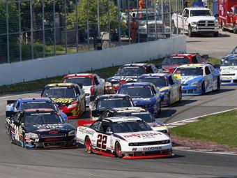 Жак Вильнев вернется в гоночную серию NASCAR
