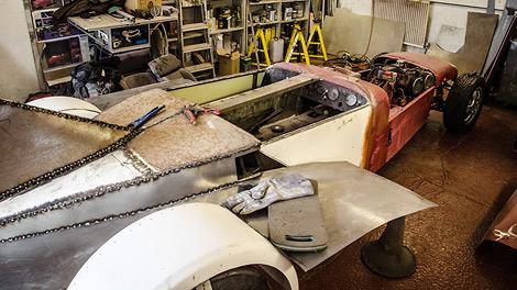Машину построят за шесть недель из старых запчастей. Фото 1