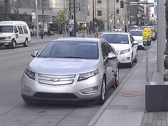 Американцы предпочли экономию топлива безопасности новых машин