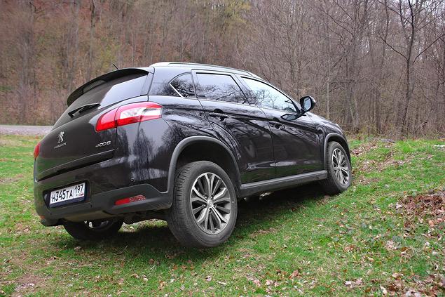 Ищем отличительные черты в Peugeot 4008. Фото 7