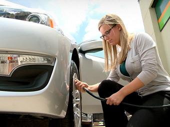 Nissan поможет водителям правильно подкачать шины