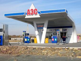 Власти решили удержать цены на бензин в Москве и области